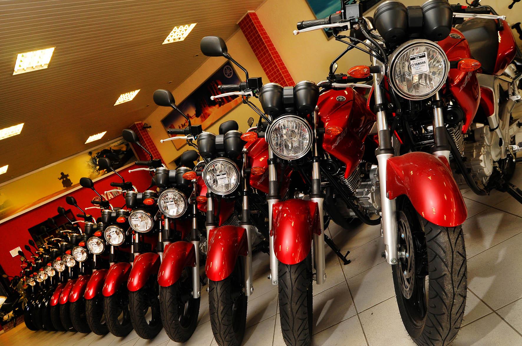 Emplacamento de motos cai 16,8% em maio, diz Fenabrave.